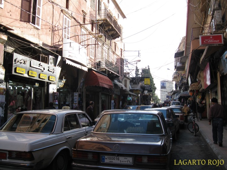Tráfico infernal en el centro de Sidón