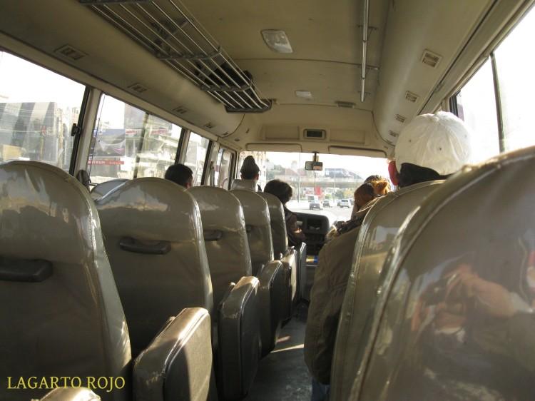 Éste es el interior de lo que en el Líbano llaman un autobús