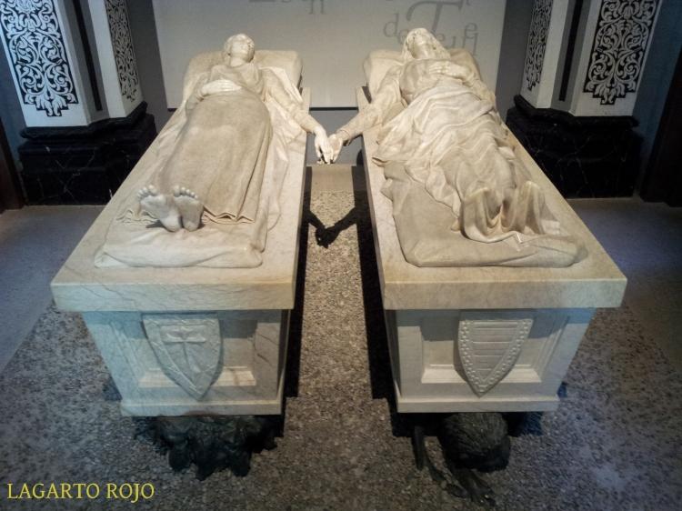 Mausoleo de los Amantes de Teruel, obra de Juan de Ávalos