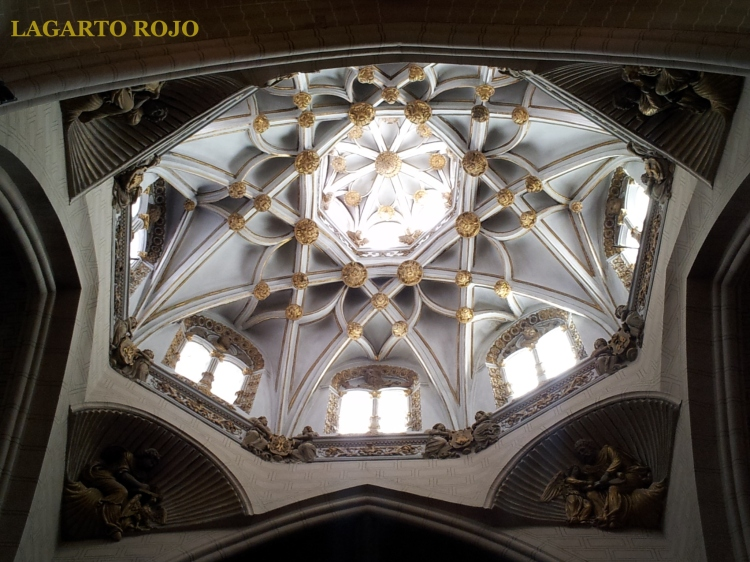 Interior del cimborrio de la catedral