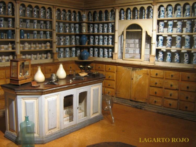 Museo de Teruel. Botica del siglo XVIII