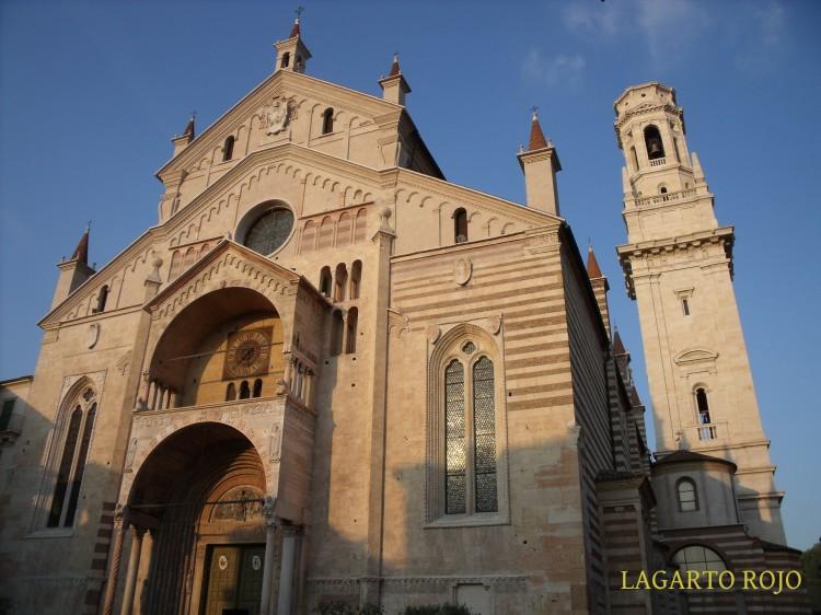 Vista exterior de la catedral de Verona