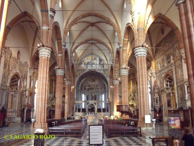 Interior de la catedral de Verona