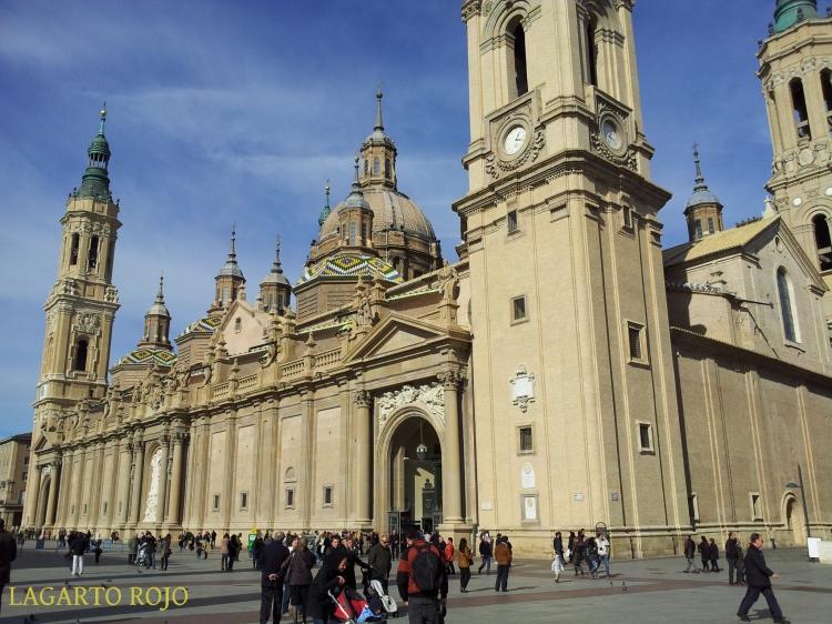 Fachada principal de la catedral-basílica del Pilar de Zaragoza