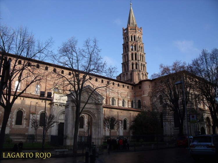 Vista exterior de la basílica de San Saturnino de Tolosa (Francia)