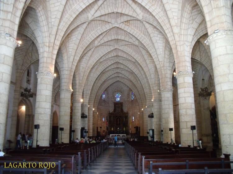 Interior de la catedral primada de América