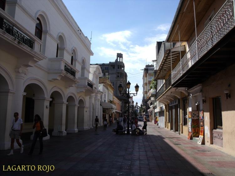 La calle del Conde, la más concurrida del casco antiguo