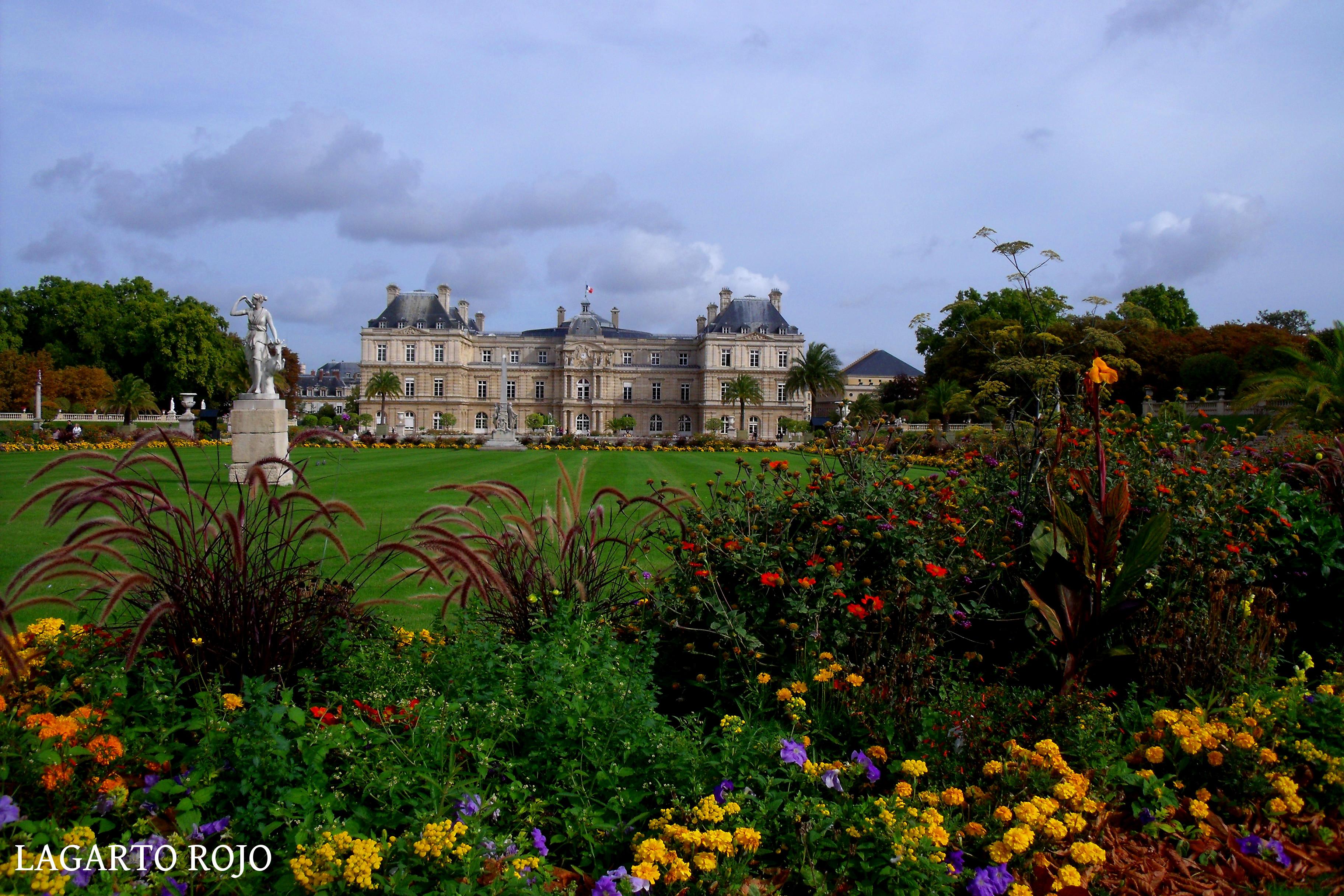 Diez lugares extraordinarios de par s i lagarto rojo for Jardines de luxemburgo paris