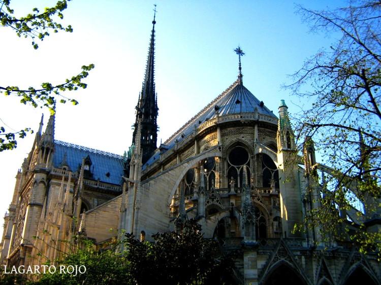 Catedral de París. Cabecera y arbotantes