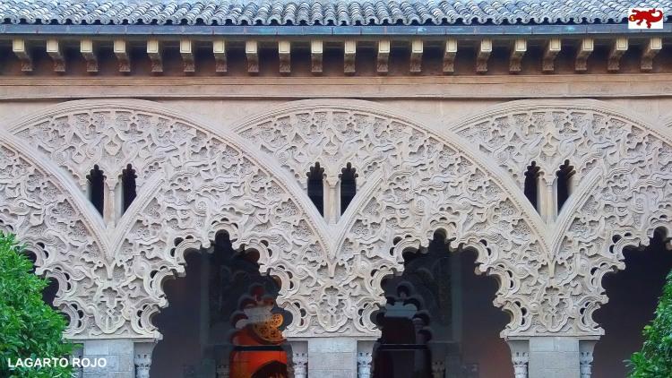 Arcos árabes de la Aljafería