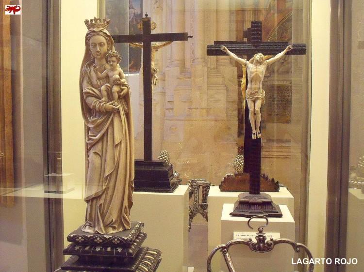 Crucifijo y virgen de marfil