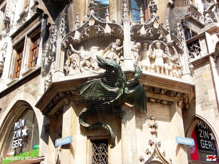 Dragón neogótico en Múnich