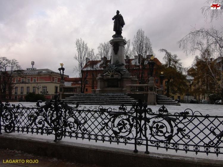 Monumento a Adam Mickiewicz