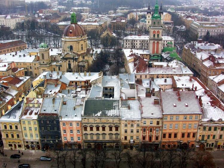 Vistas-desde-la-torre-del-Ayuntamiento-de-Lviv-Ucrania-2