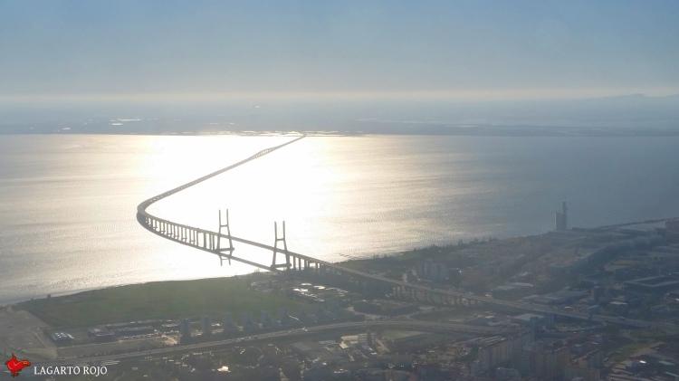 Puente Vasco da Gama
