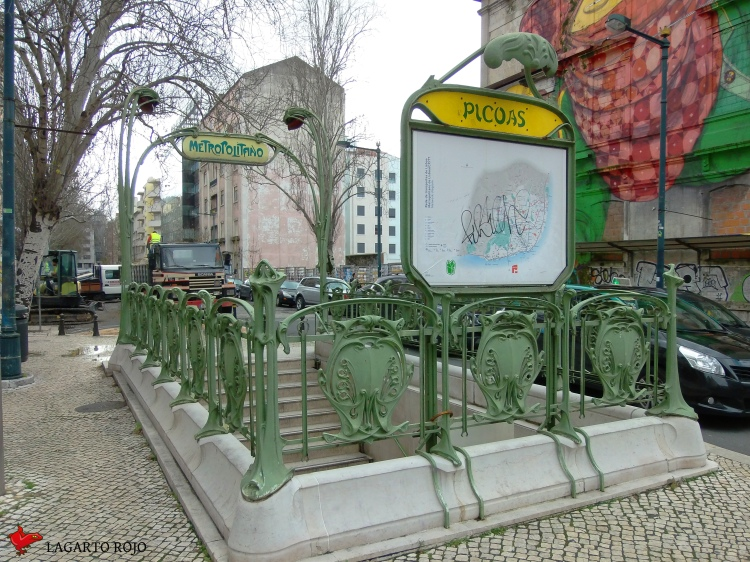 Boca de metro de Picoas