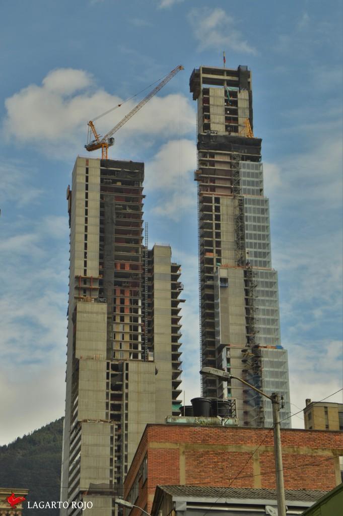 Rascacielos en construcción